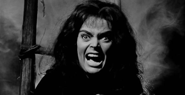 black-sunday-1960-movie-review-princess-asa-vajda-witch-burned-at-stake-barbara-steele-mario-bava
