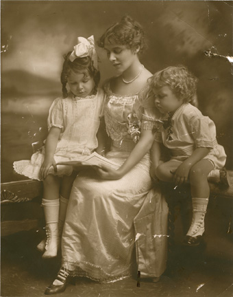 Edwina with Rose and Tenne