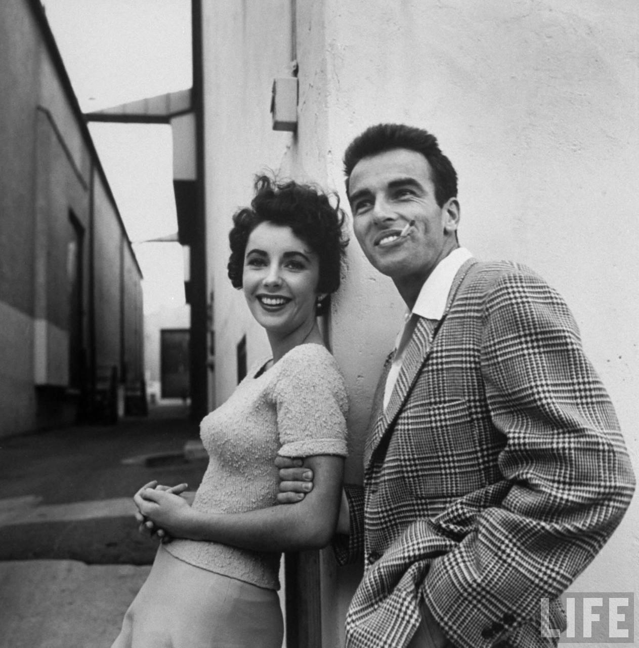 ElizabethTalyor-MontgomeryClift-PlaceInTheSun-1950-ParamountLot