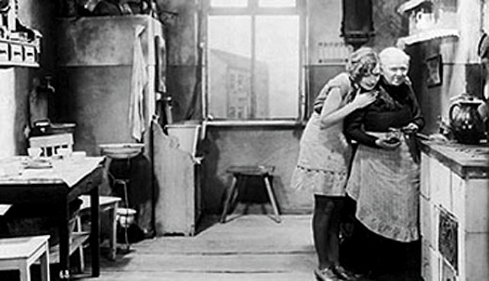 Alexandra Schmidt in Mother Kraus' jounrey to happiness mutter-krausens-fahrt-ins-gluck-schmidt