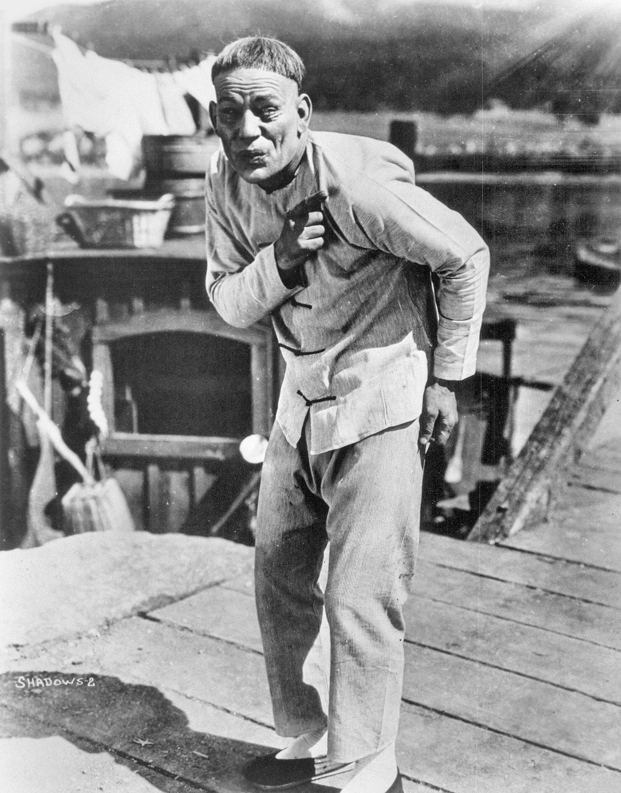 Lon_Chaney_as_Chinese_immigrant_Yen_Sin_in_the_film_Shadows_(1922)
