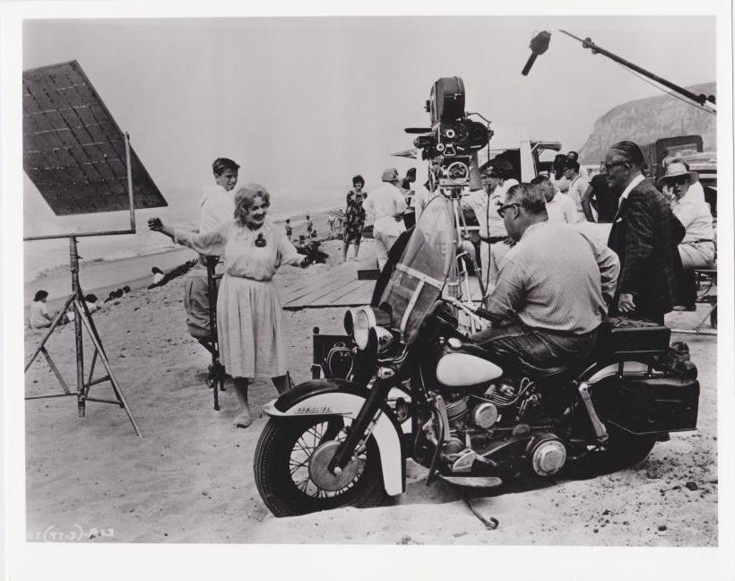 Davis on the set beach with aldrich