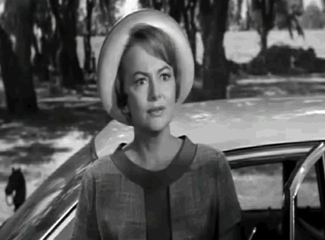 de Havilland as Cousin Miriam