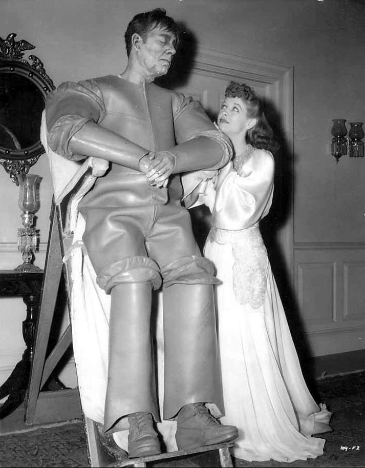 Anne Nagel & Lon Chaney Man Made Monster Promo photo