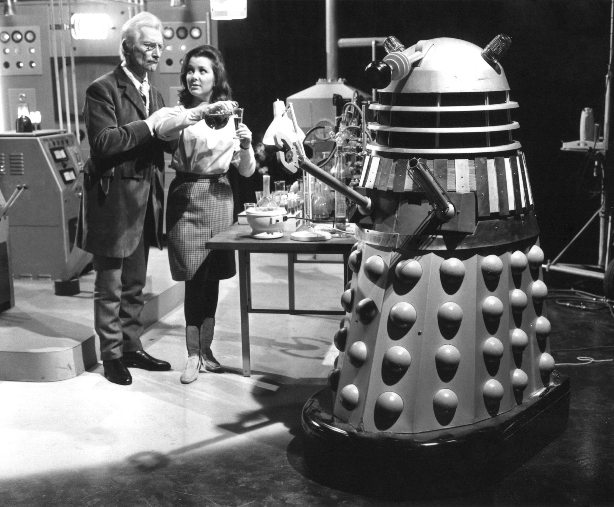 Annex - Cushing, Peter (Daleks' Invasion Earth - 2150 A.D.)_02