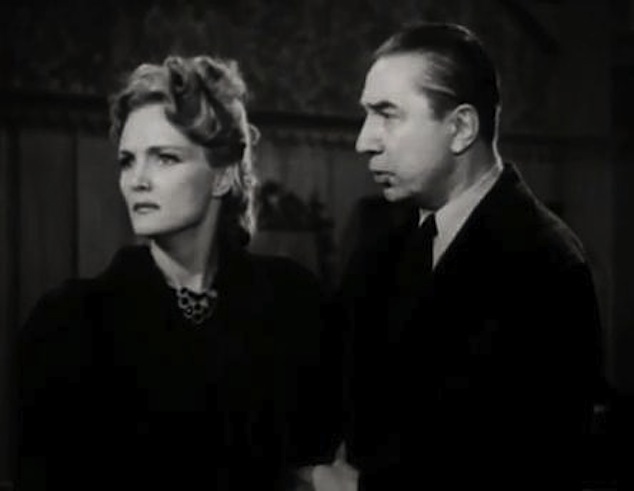 Elizabeth_Russell-Béla_Lugosi_in_The_Corpse_Vanishes
