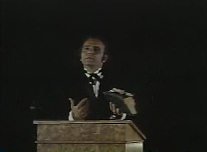 Reverand Jesse Bundy preaching the gospel