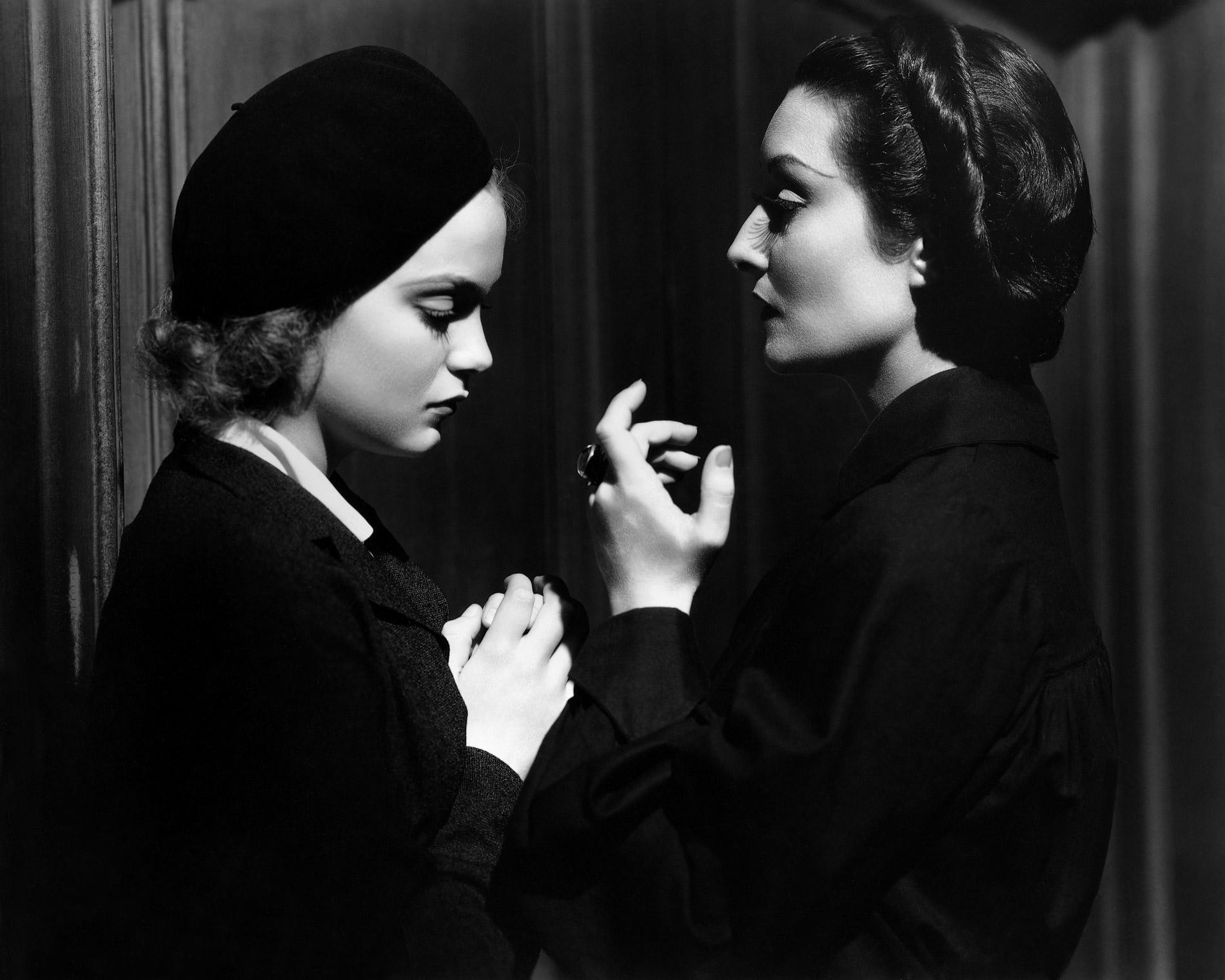 Annex - Holden, Gloria (Dracula's Daughter)_04