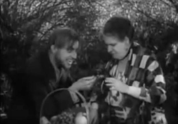 Dwight Frye and Maude Eburne The Vampire Bat