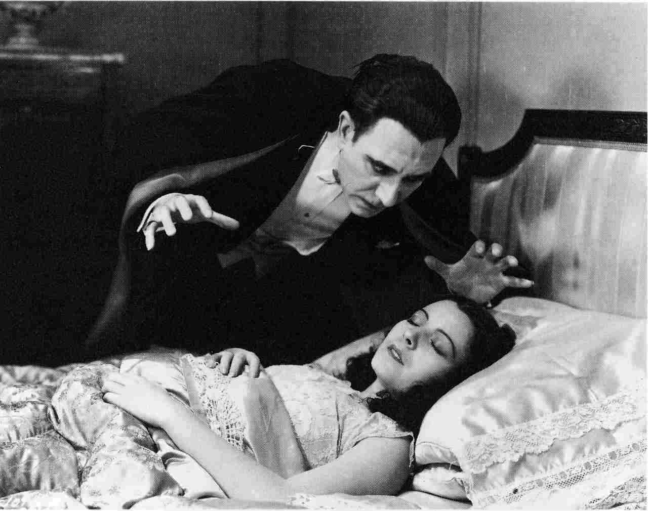 Lupita Dracula Spanish Version