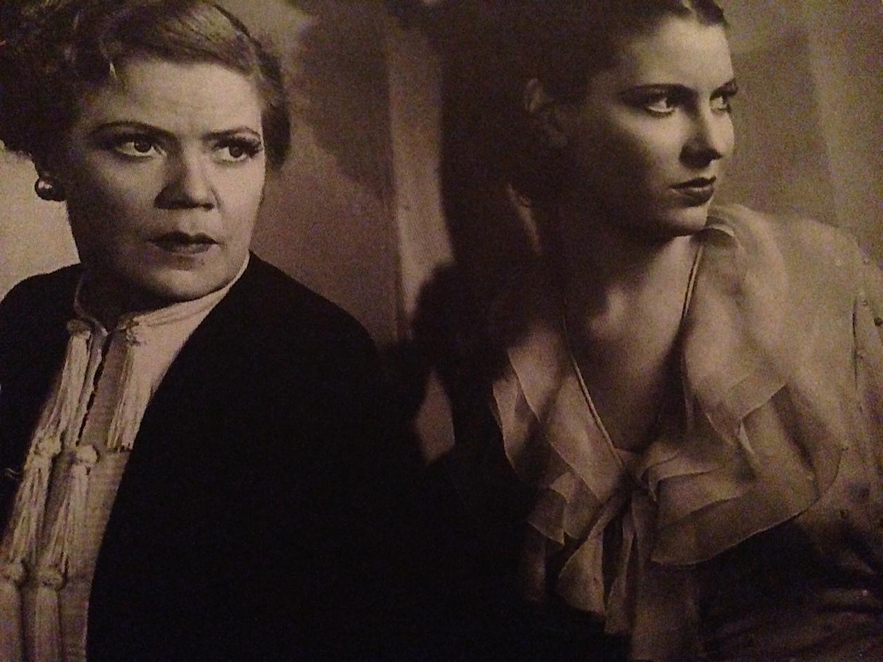 Spring Byington and Valerie Hobson in Werewolf of London
