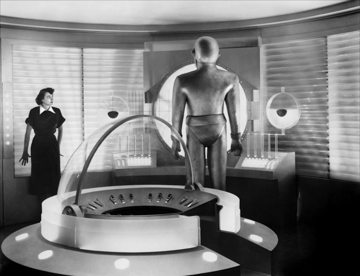 Day the Earth Stood Still Patricia Neal and GORT1951-