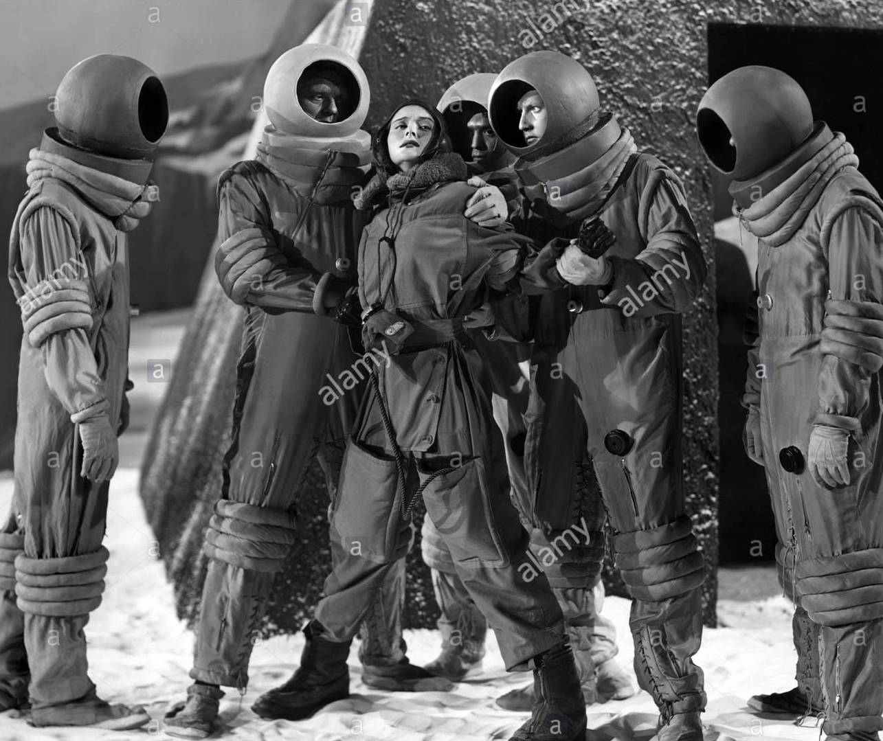 OSA MASSEN Character(s): Dr. Lisa Van Horn Film 'ROCKETSHIP X-M' (1950) Directed By KURT NEUMANN 26 May 1950 CTW88028 Allstar/Cinetext/LIPPERT PICTURES **WARNING** This photograph can only be reproduced by publications in conjunction with the promotion of the above film. For Editorial Use Only.