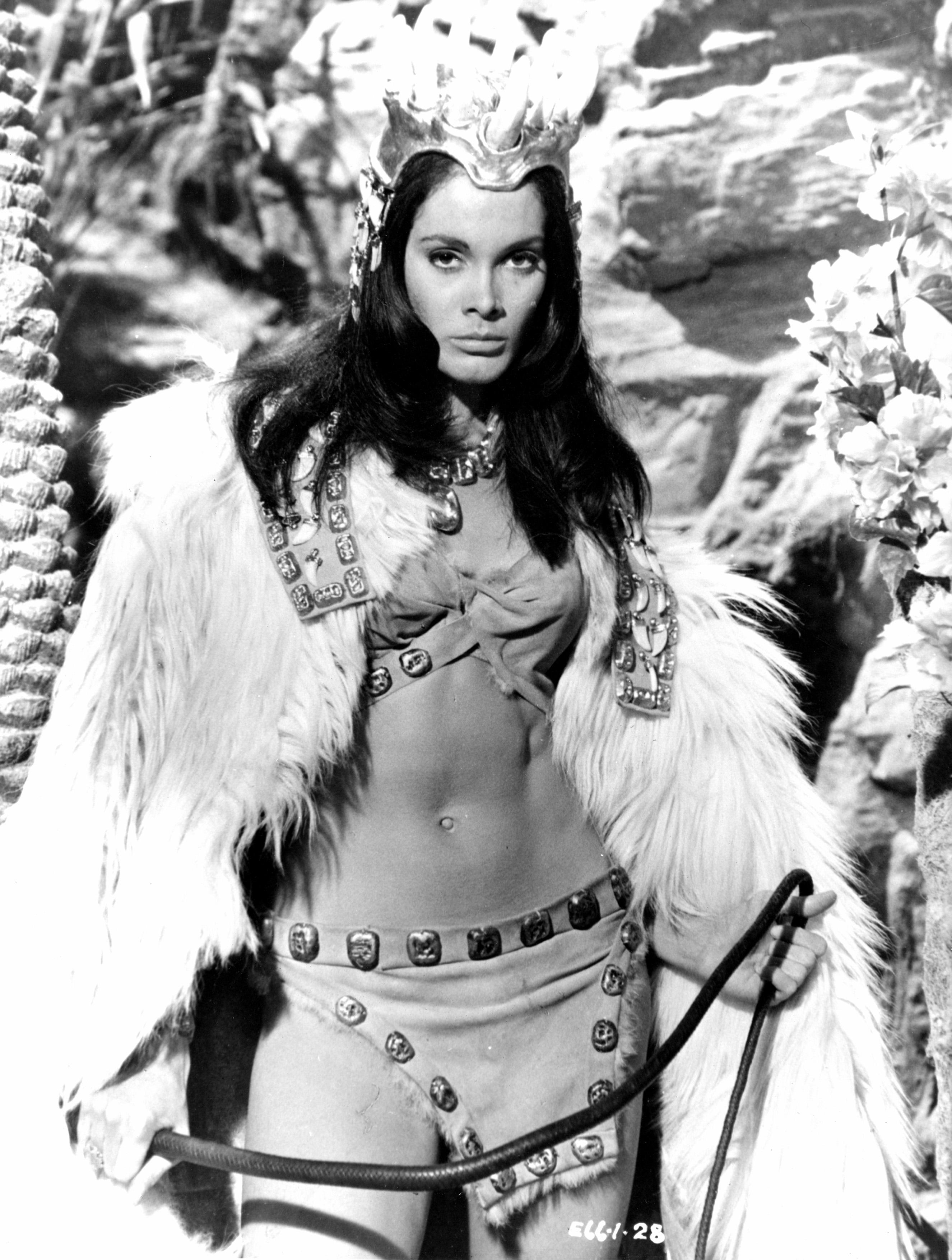prehistoric_women_1966_Martine Beswick