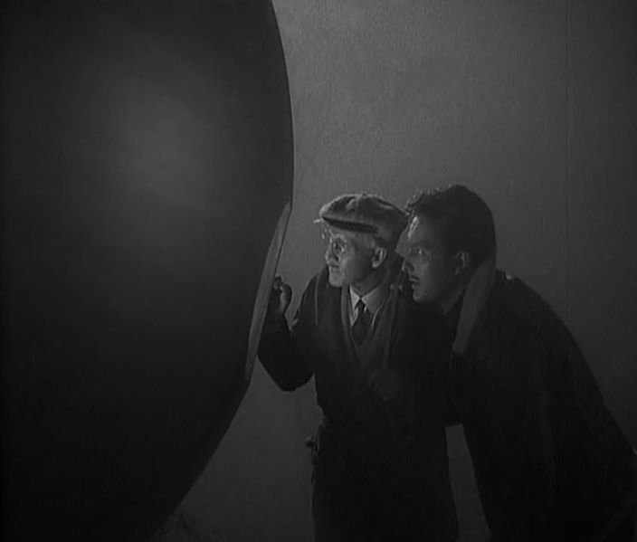 The Man from Planet X a diving bell
