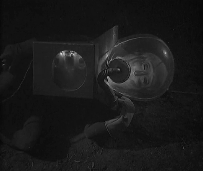 The Man from Planet X oxygen tank testing humanity