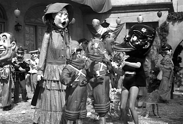 abbott-and-costello-go-to-mars-bud-abbott-lou-costello-space-suits-new-orleans-costumes